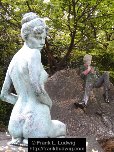 Not Interested (Oscar Wilde Statue in Marrion Square Park)